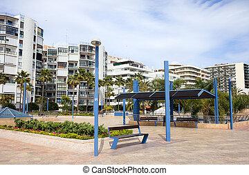 Avenida del Mar in Marbella - Cobbled square and apartment...