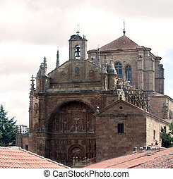 Facade of the church of Salamanca from the rooftops