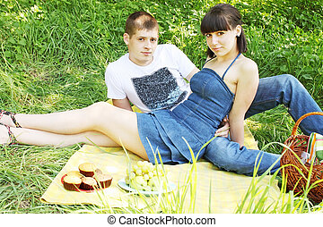 pair on a picnic
