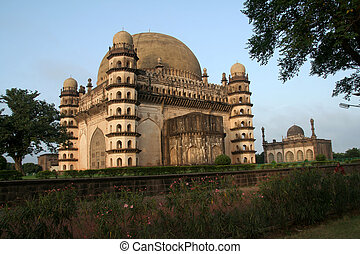Gol Gumbaz - World famous Gol Gumbaz having famous...