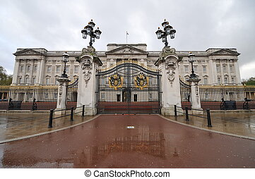 Buckingham Palace Entrance - Buckingham Palace is the...