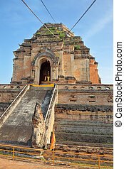Grandiose ritual construction in Thailand - The step pyramid...