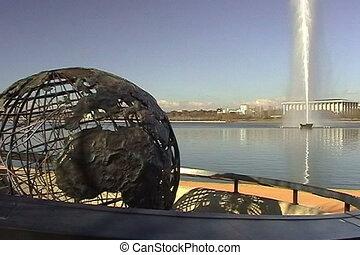 Capt Cook Memorial Globe