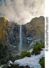 Bridalveil Fall Yosemite - Bridalveil Fall in winter -...