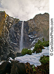 Bridalveil Fall Yosemite - Bridalveil Fall in winter -...