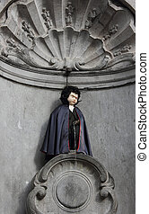 Manneken Pis in Brussels dressed as Dracula - Famous...
