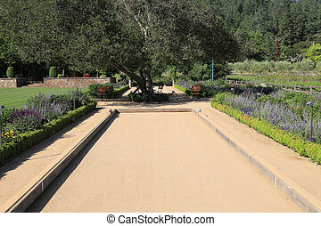 Attractive bocci court - Freshly swept boccie ball court in...