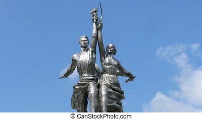 Rabochiy i Kolkhoznitsa monument, time lapse - Rabochiy i...
