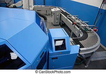 Print shop (press printing) - Finishing line - Post press...