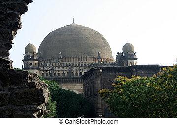 View of Gol Gumbaz - Gol Gumbaz in Bijapur viewed through...