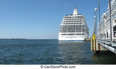 SEVEN SEAS VOYAGER cruise liner at bay - TALLINN, ESTONIA -...