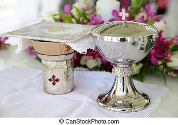 Catholic wedding. - Wedding details inside a church at a...