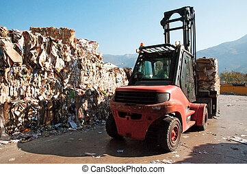 Paper and pulp mill - Recycle paper - Waste paper recycling....