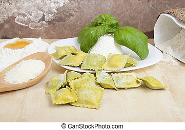 Ravioli with ricotta and basil - Ravioli with ricotta and...