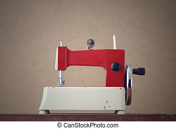 Antique Sewing Machine - Old metal crank sewing machine