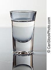 a, verre, vodka, bleu, lumière