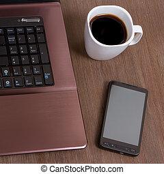 café, computador portatil, smartphone