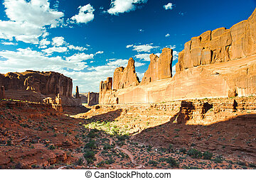Park Avenue Trail in Arches National Park, Utah, USA
