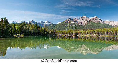 Herbert Lake in Banff national park, Kanada