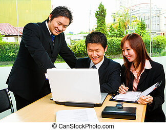 Business people in discussion happily - Group of people who...