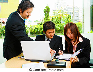 Rescheduling - The people discuss about rescheduling the job...
