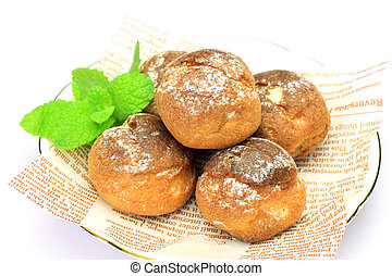petit cream puff - These are small cream puffs.