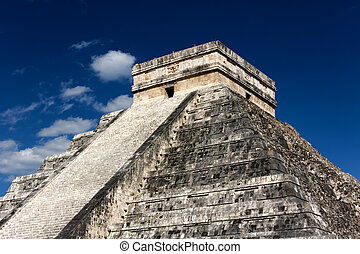 Kukulkan Pyramid at Chichen Itza - Famous landmark Mayan...