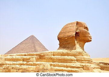 Sphinx and pyramid in Cairo,Egypt - Famous site of Sphinx in...
