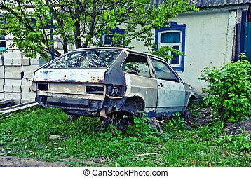 Old motor car dismantled for spares - Old motor car...