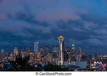 Seattle skyline, from Queen Anne Hill - Space Needle and...