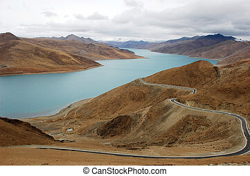 Landscape in Tibet - Landscape at the lakeside of Yamdrok...