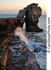 Pulpit Rock Portland - Dramatic cold winter sunset Pulpit...