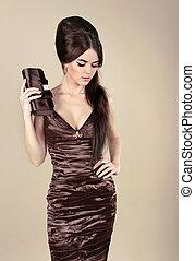 elegante, moda, excitado, mulher, chocolate, Vestido,...