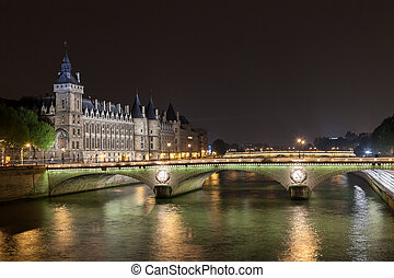 La Conciergerie in Paris - La Conciergerie and Pont au...