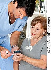 macho, enfermeira, medindo, glucose, nível