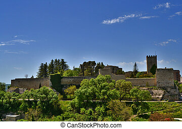 Castle di Lombardia, Enna