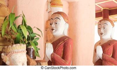 Buddhas in Takhaung Mwetaw Paya pag - Inle lake, Myanmar