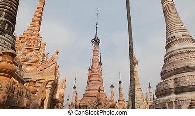 Takhaung Mwetaw Paya pagoda, Inle l - Inle lake, Myanmar