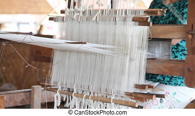 Weaving workshop on Inle lake