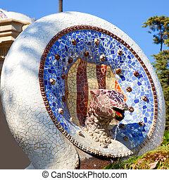 Guell, parque,  Barcelona,  Gaudi, serpiente, mosaico