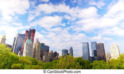 Central Park and Manhattan skyline - Manhattan skyline from...