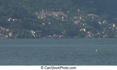 seaplane landing 11 - Seaplane landing on Lake Como in Italy