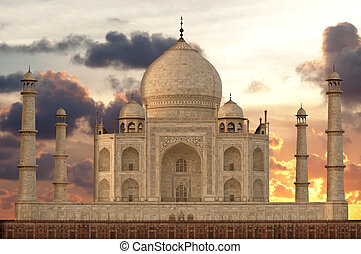 Sunset over Taj Mahal mausoleum, Agra, Uttar Pradesh, India