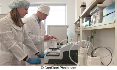 researcher team in the laboratory