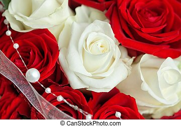 Roe - blossom red and white roses with beads