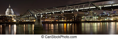 St. Paul's & Millennium Bridge - St. Paul's Cathedral and...