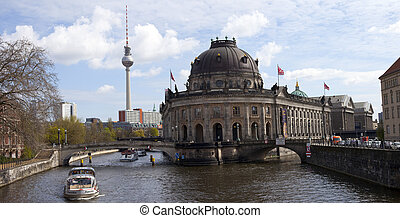 View over the Spree of the Bode Museum and TV Tower