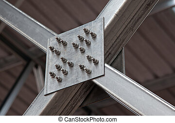 Steel connection - Bolt connection of steel crossing members...
