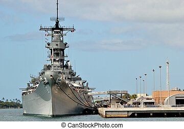 USS Missouri - The USS Missouri battleship docked at Pearl...