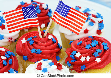 Independence Day Cupcakes - American patriotic themed...